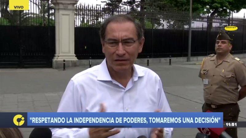 Martín Vizcarra regresó al Perú para analizar la remoción de los fiscales Pérez y Vela.