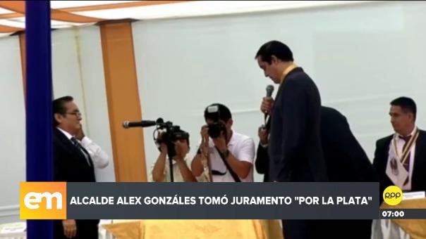 Alcalde de San Juan de Lurigancho tuvo un lapsus al juramentar a uno de sus regidores.
