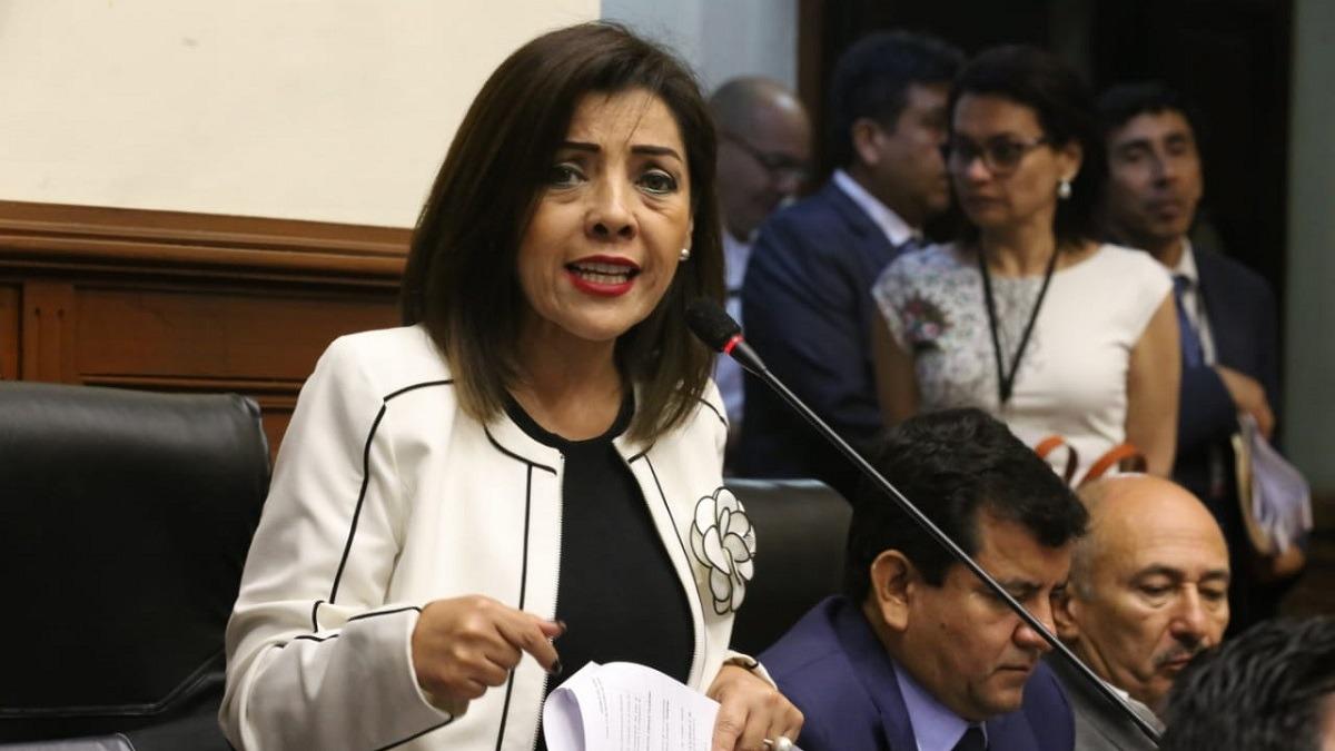 La congresista fujimorista criticó duramente a los fiscales y al presidente.