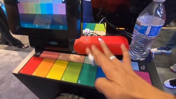 Los Specdrums pueden convertir el color de cualquier superficie en notas musicales.