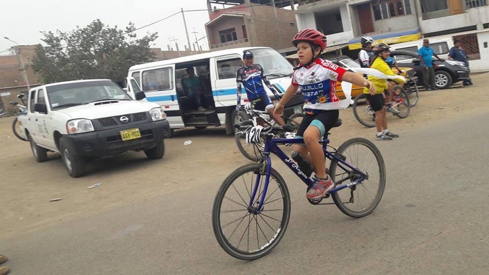 Lance Armstrong se dirigió a través de las redes sociales a la familia del pequeño Lance.