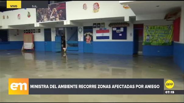 Ministra del Ambiente recorrió zonas afectadas por aniego.