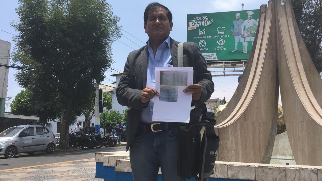 Helar Gonzales es uno de los docentes afectados por el error de los funcionarios de la UGEL Sur.