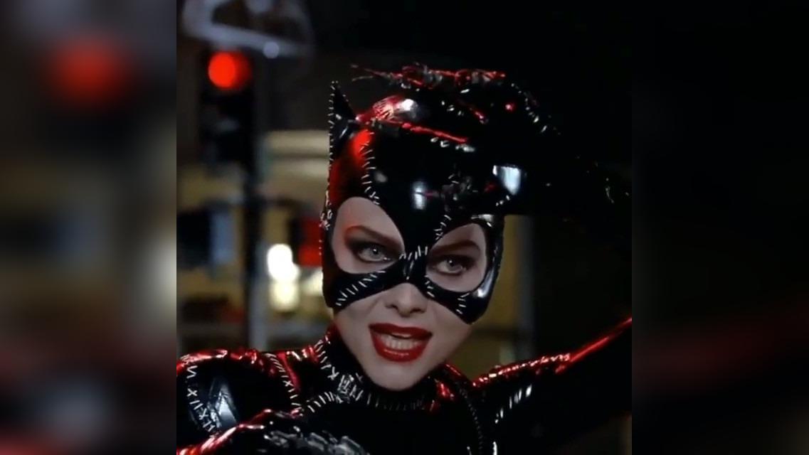 Michelle Pfeiffer se unió a Instagram y su primera publicación fue su video como Gatúbela.