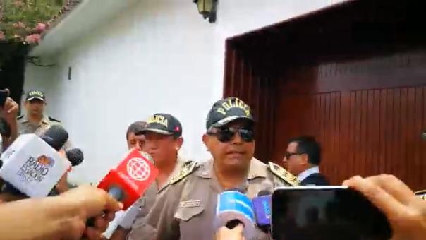 El jefe policial Ricardo Verona indica que una agente policial venezolana figura entre los detenidos.