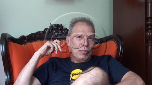 Raúl Romero se emocionó hasta las lágrimas al hablar de Pedro Suárez-Vértiz y su familia.