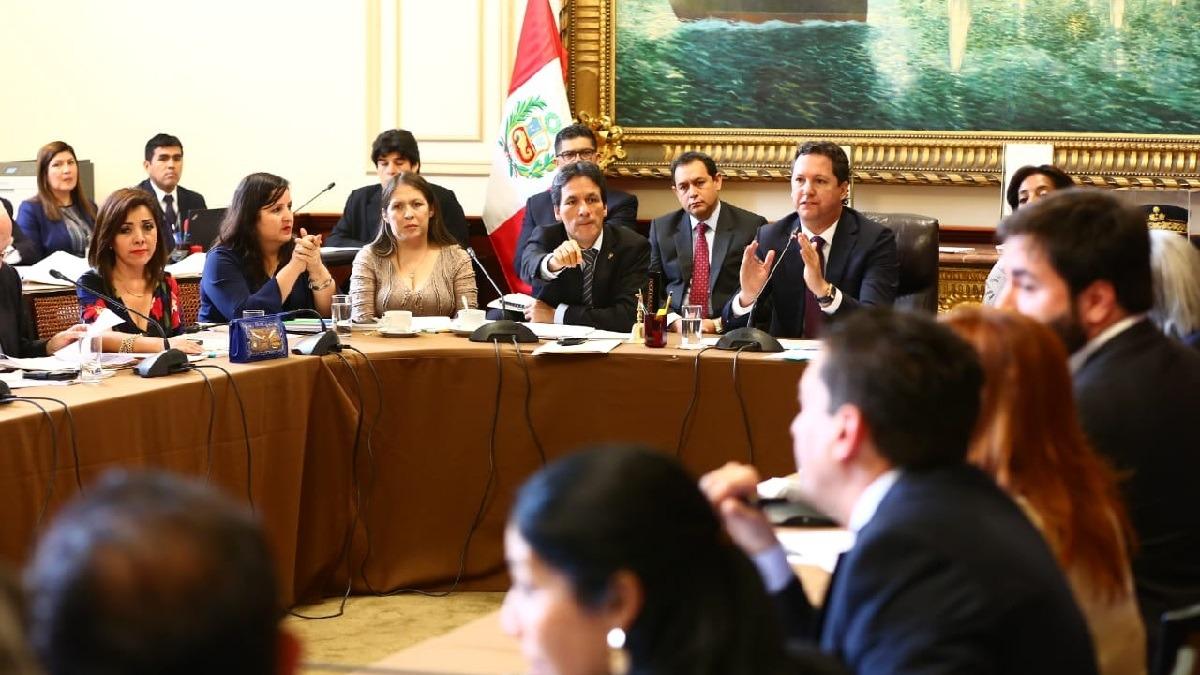 Consejo Directivo aprobó la recomposición de comisiones.