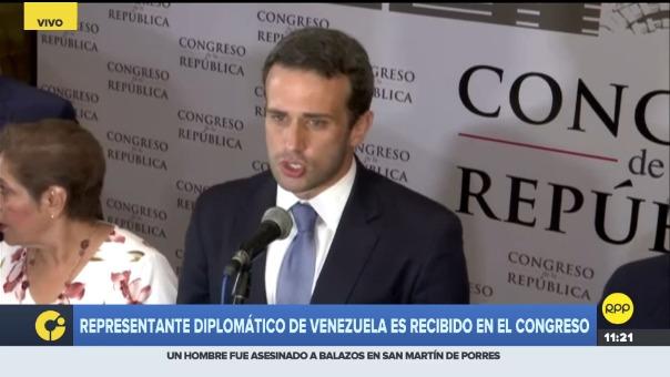 Carlos Scull agradeció el recibimiento de los congresistas, asimismo expresó su agradecimiento al gobierno por el apoyo a la comunidad venezolana.