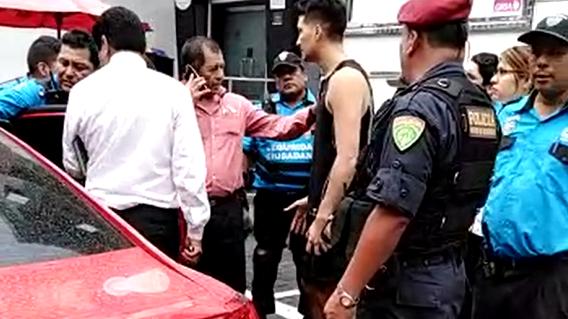 El sujeto asaltado fue detenido por agentes de Serenazgo de Miraflores.