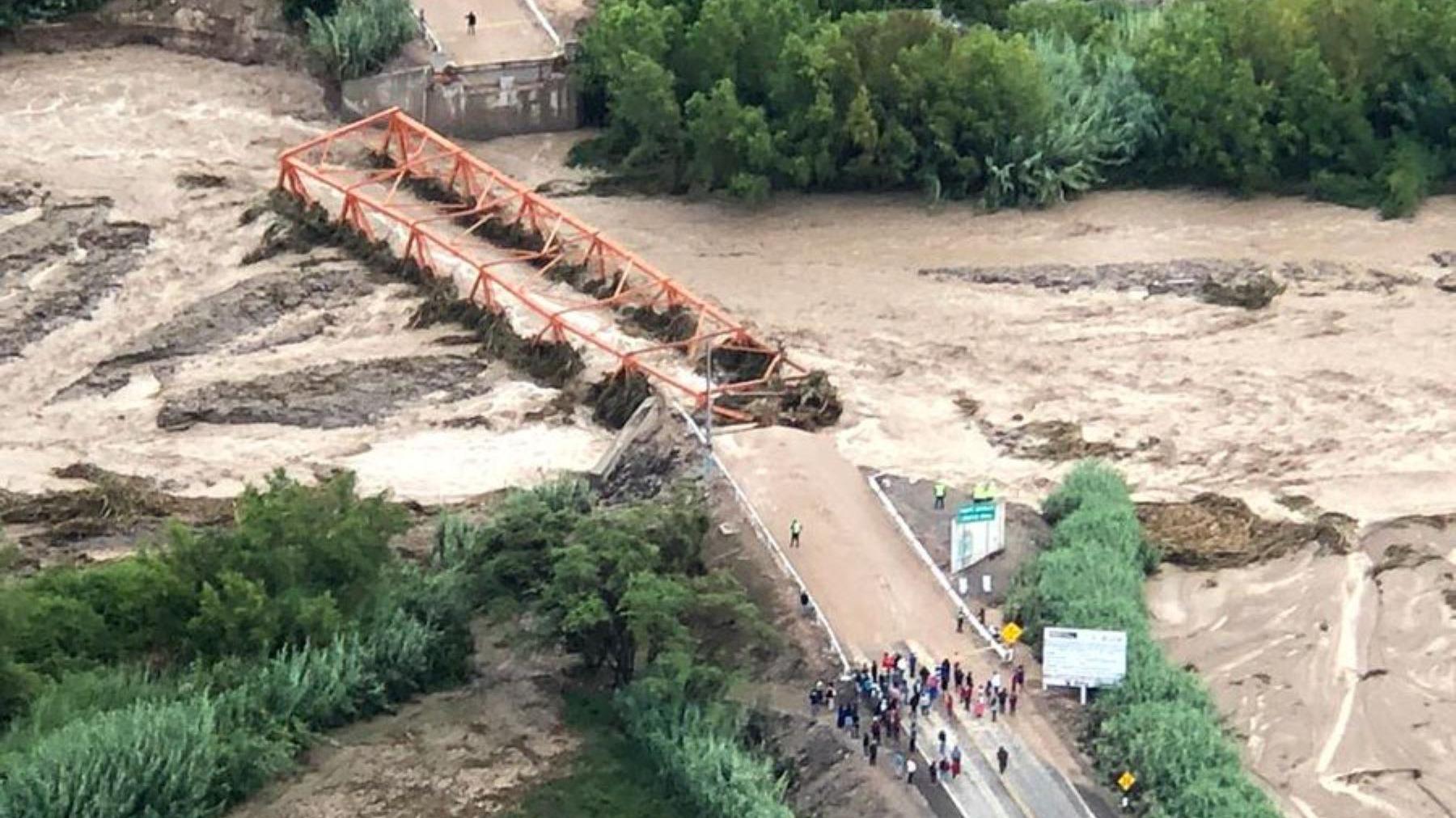 El ministro Trujillo comentó que los módulos del puente llegarán el martes.