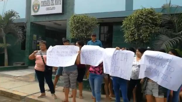 Vecinas protestaron en comisaría