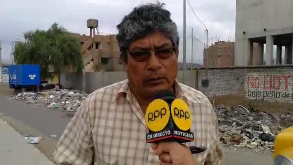 El alcalde vecinal de Mampuesto, Gerardo Reyes, exige la inmediata atención de las autoridades.