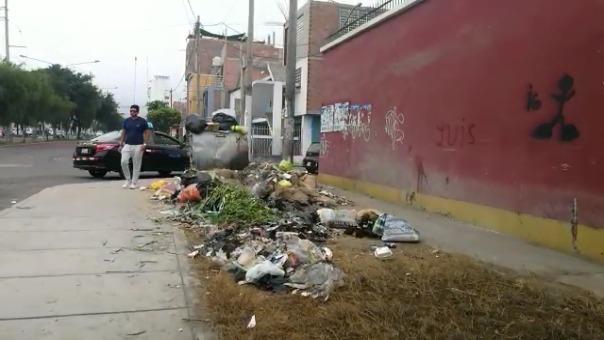 Los desechos arrojados por doquier en una de las ciudades más importantes del Perú.