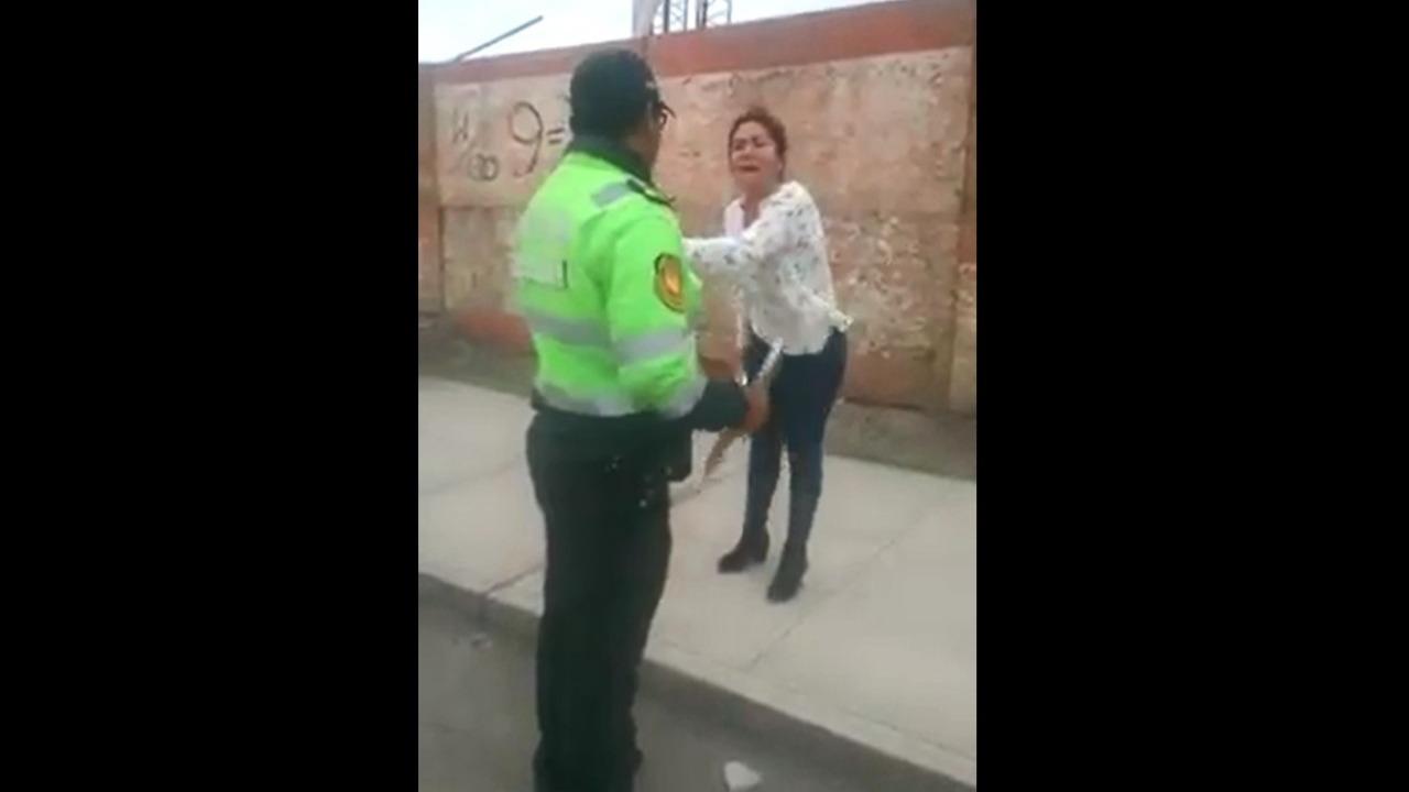 Zuleika Alatrista rompió en llanto cuando fue intervenida por la policía.