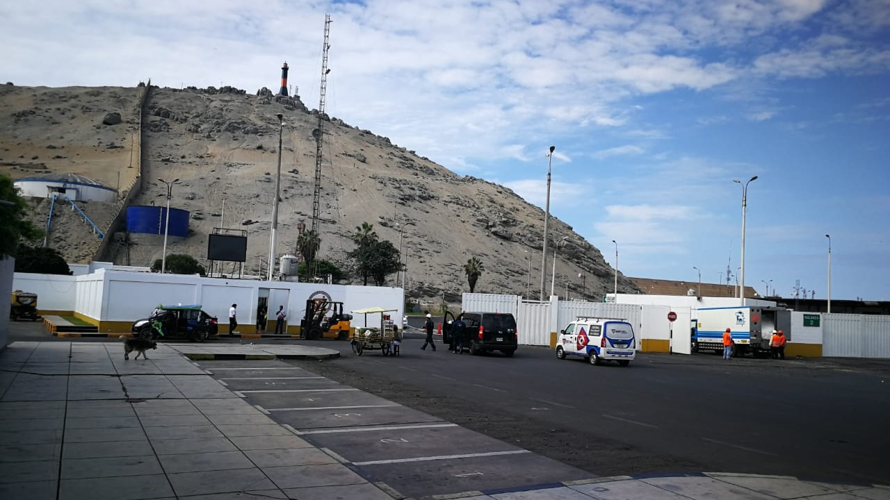 Transportistas de carga pesada se movilizaron por la vía de evitamiento como parte de su tercer día de huelga. Mientras tanto puerto de Salaverry permanece paralizado.