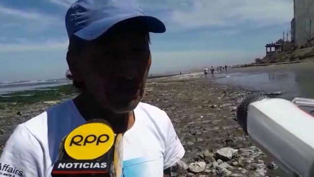 Pescador buscando oro