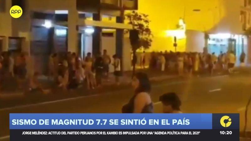 En varias ciudades, la población salió a la calle por precaución.