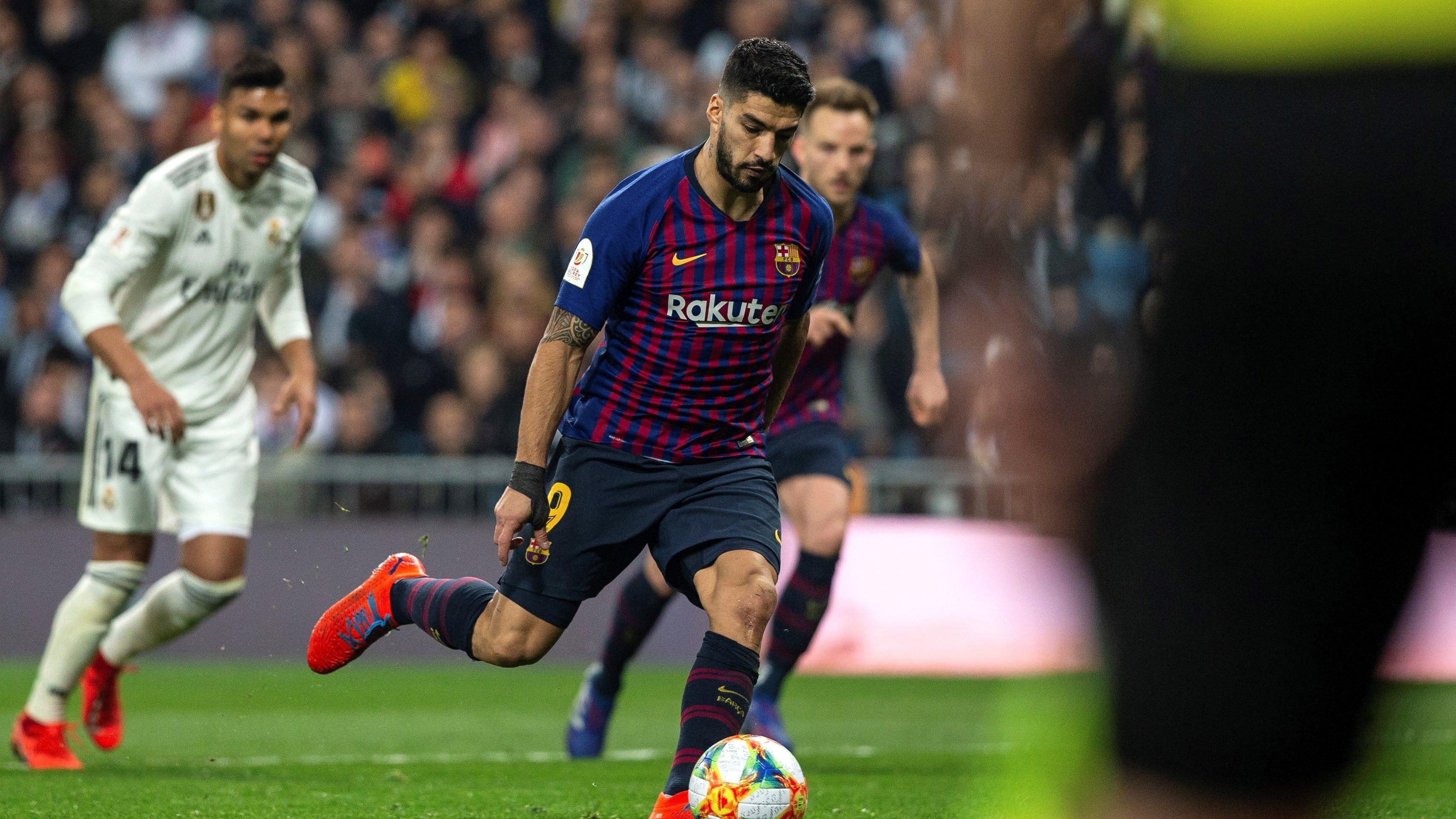 Luis Suárez marcó un doblete en la victoria del Barcelona sobre Real Madrid