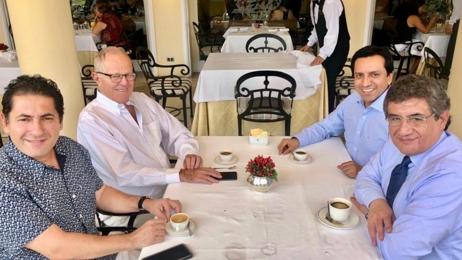 El congresista Salvador Heresi compartió una foto en Twitter de una reunión con sus colegas de bancada Gilbert Violeta y Juan Sheput con el expresidente Pedro Pablo Kuczynski.