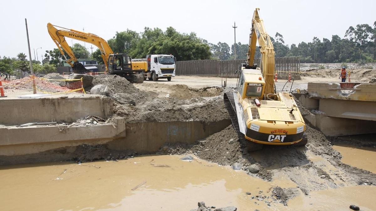 El jefe de Estado visitó las zonas afectadas por lluvias en Piura.