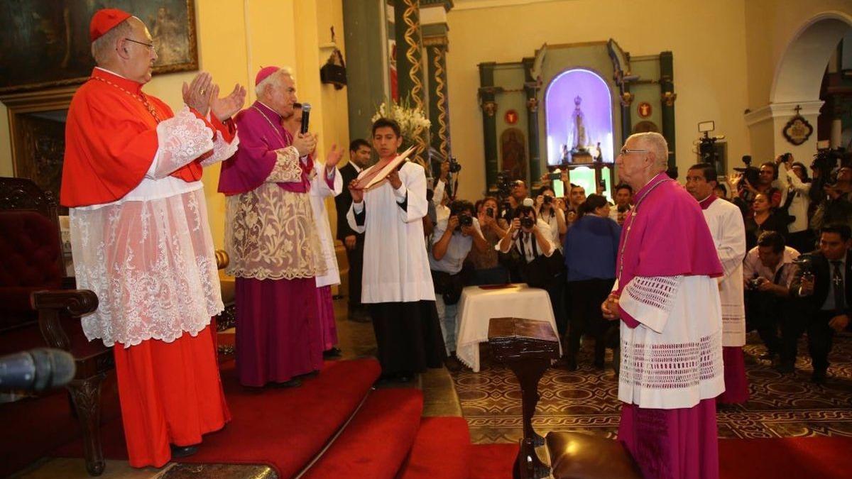 La Misa de Ordenación Episcopal y Toma de Posesión se realizó esta mañana en la Parroquia San Lázaro del Rímac.