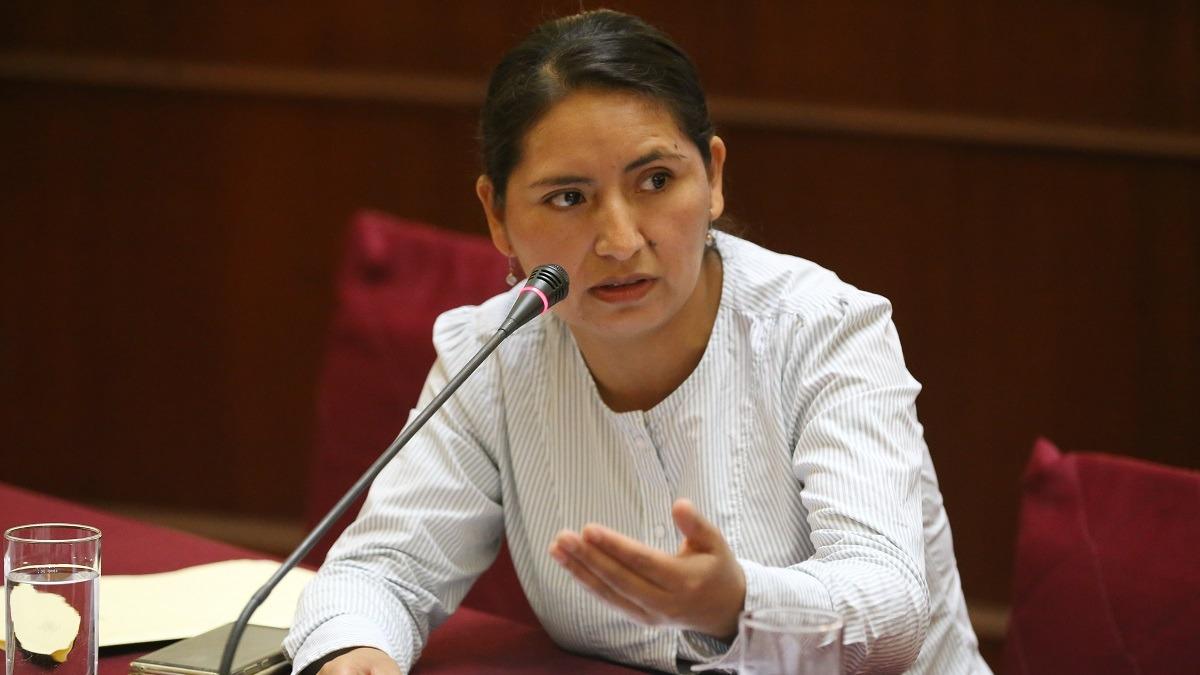 Tania Pariona, presidental de la Comisión de la Mujer.