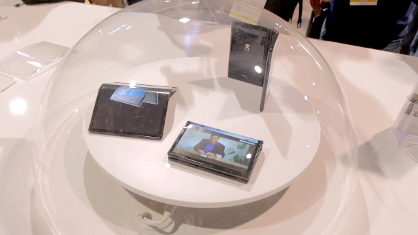 Royole presentó el primer smartphone plegable del año en el CES 2019