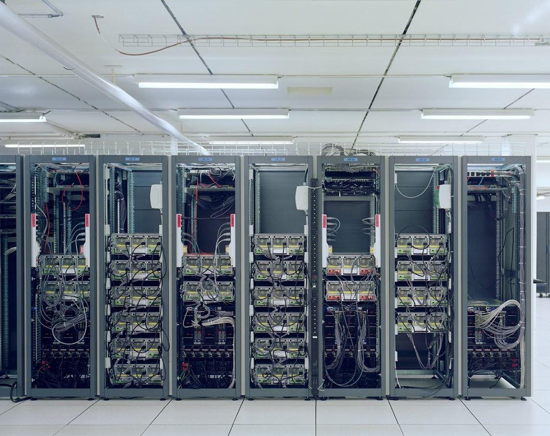 La visión de Berners-Lee sobre Internet evolucionó a la de una red gratuita y universal para compartir conocimiento, comunicar y colaborar.