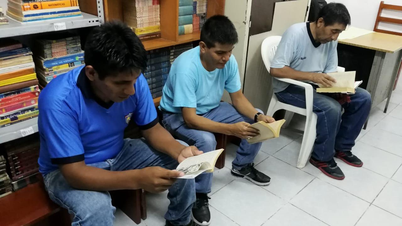 Internos también acceden a la biblioteca del penal
