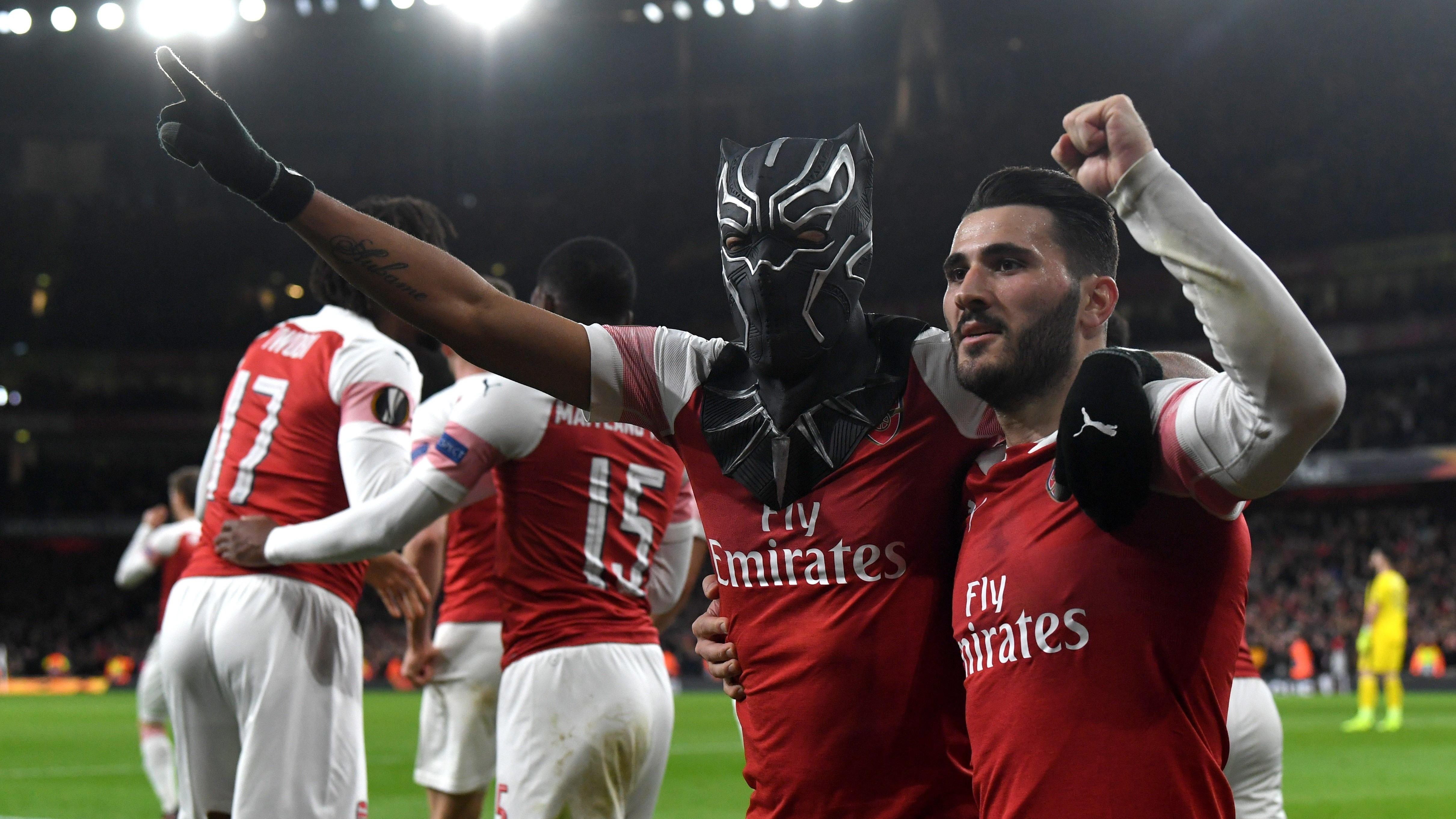 Pierre-Emerick Aubameyang anotó un doblete en la victoria del Arsenal