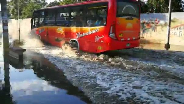 Trujillo amaneció con varios puntos de aniego debido a la lluvia registrada desde la madrugada.