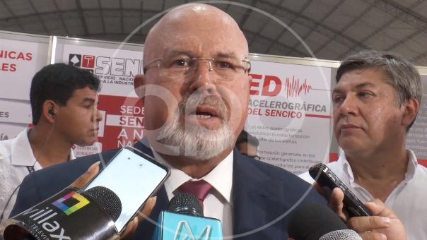 Carlos Bruce, ministro de Vivienda, Construcción y Saneamiento.