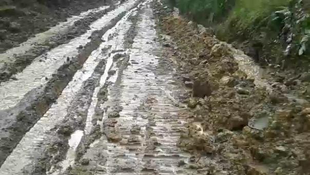 Autoridades piden fiscalizar la rehabilitación de la vía.