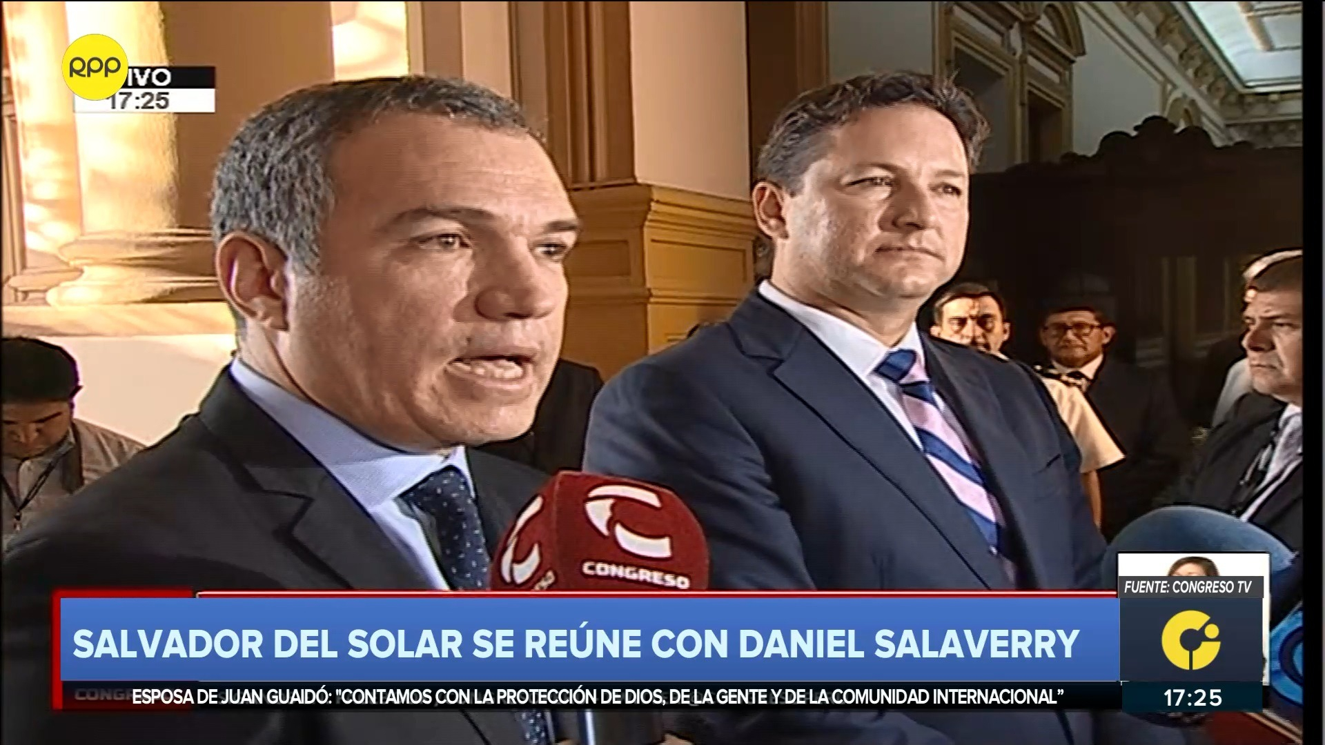 Salvador del Solar se reunió este lunes con el presidente del Congreso, Daniel Salaverry.