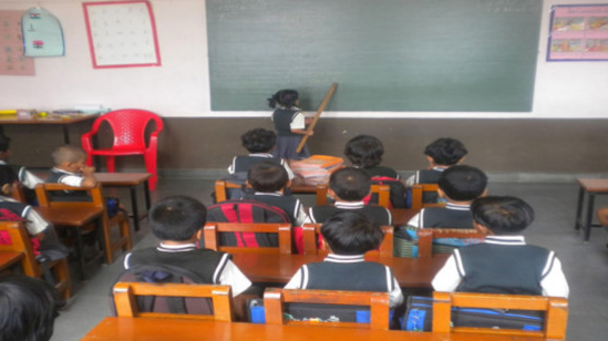 El gerente de Educación, Rafael Moya, señaló que dos casos de tocamientos indebidos serán resueltos en los próximos días.