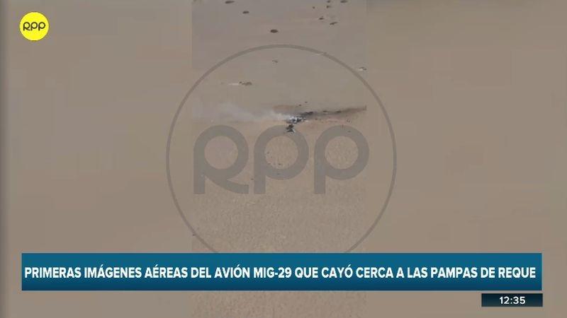 Las imágenes muestran al avión estrellado.