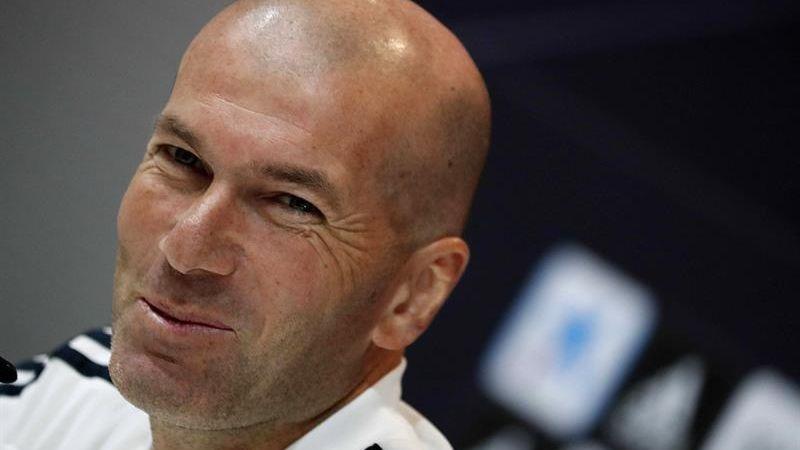 Zidane dijo que Varane no se ha dirigido a él para comunicarle su deseo de marcharse.