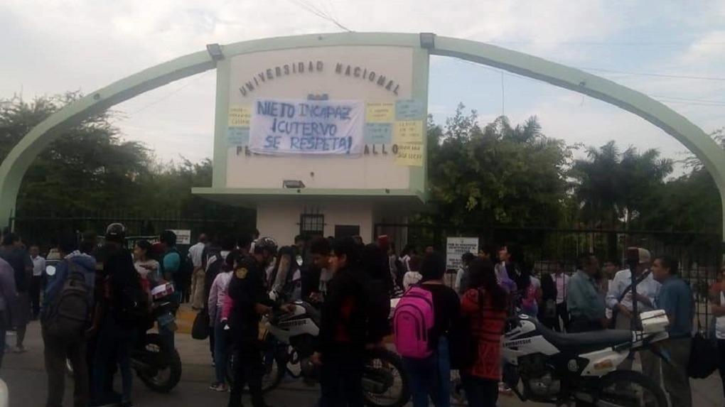 Estudiantes reclamaron pronta respuesta de las autoridades universitarias