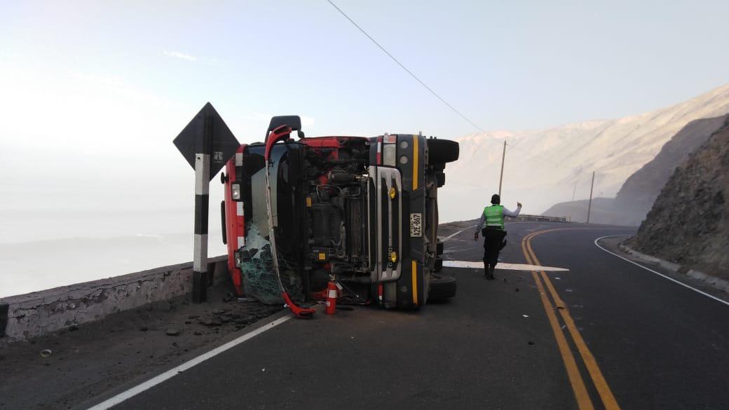 Accidente ocurrió a las 8:00 horas en el kilómetro 728 de la Carretera Panamericana Sur, distrito de Atico en Caraveli.