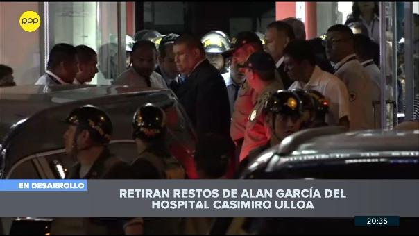 Así se realiza el traslado del féretro del expresidente Alan García.