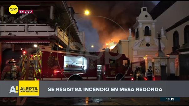 Enlace telefónico con el jefe territorial de Lima de los bomberos, Mario Cassaretto.