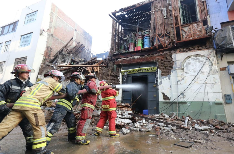 Los locales afectados almacenaban materiales inflamables como plástico y papeles.
