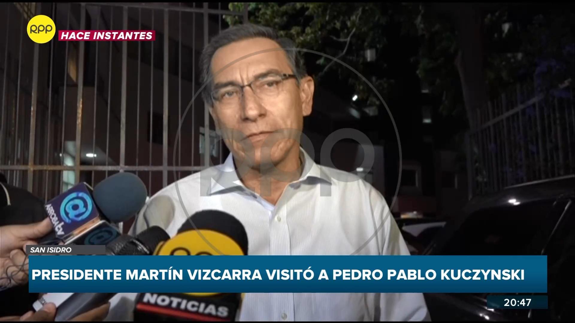 El mandatario llegó a la clínica de San Isidro donde está internado Kuczynski.