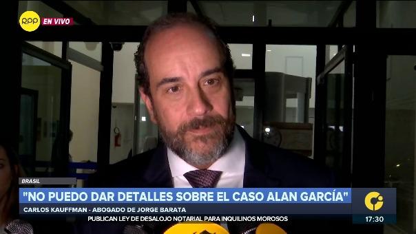 Carlos Kauffman, abogado de Jorge Barata, dio una conferencia de prensa al final de la diligencia fiscal en Curitiba.