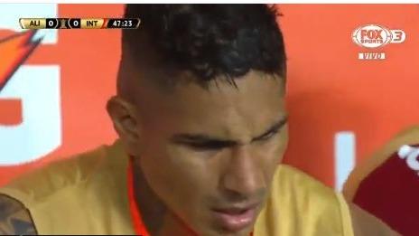 Paolo Guerrero ya no regresó al campo en el segundo tiempo