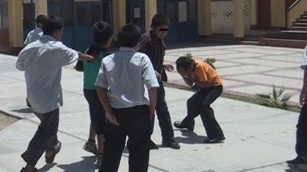 Además de la violencia entre escolares varones, se registran peleas entre alumnas.