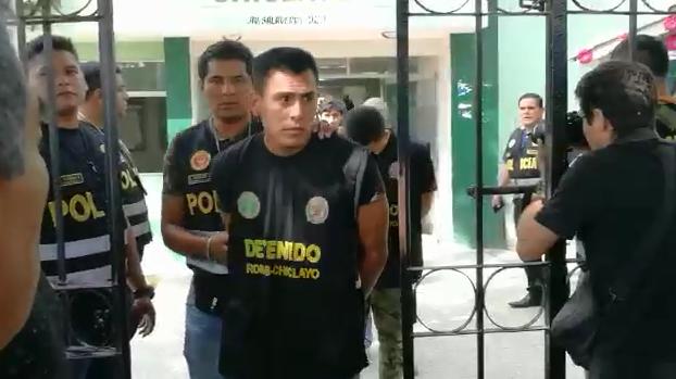 Detenidos son trasladados al Poder Judicial
