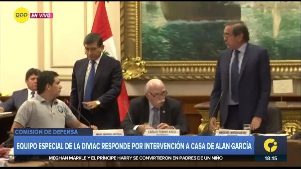 Así fue el impase entre Jorge del Castillo y un mayor de la Policía Nacional en la Comisión de Defensa.