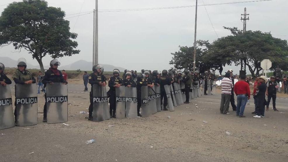 Manifestantes llegaron a la carretera al frente de Chiclín.
