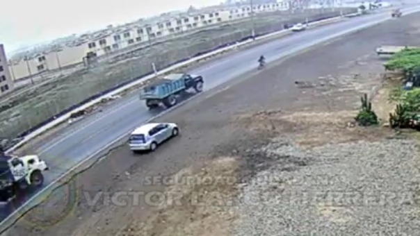 Accidente de tránsito ocurrió en la Vía de Evitamiento en Víctor Larco.